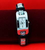 """Женские наручные часы-браслет на кожаном шнуре с обмоткой """"Мортлейк"""", черный с серебряным"""