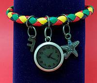 """Женские наручные часы-браслет на плетеном  разноцветном шнуре  с подвесками """"Джуни"""""""