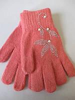 Женские перчатки со стразами.