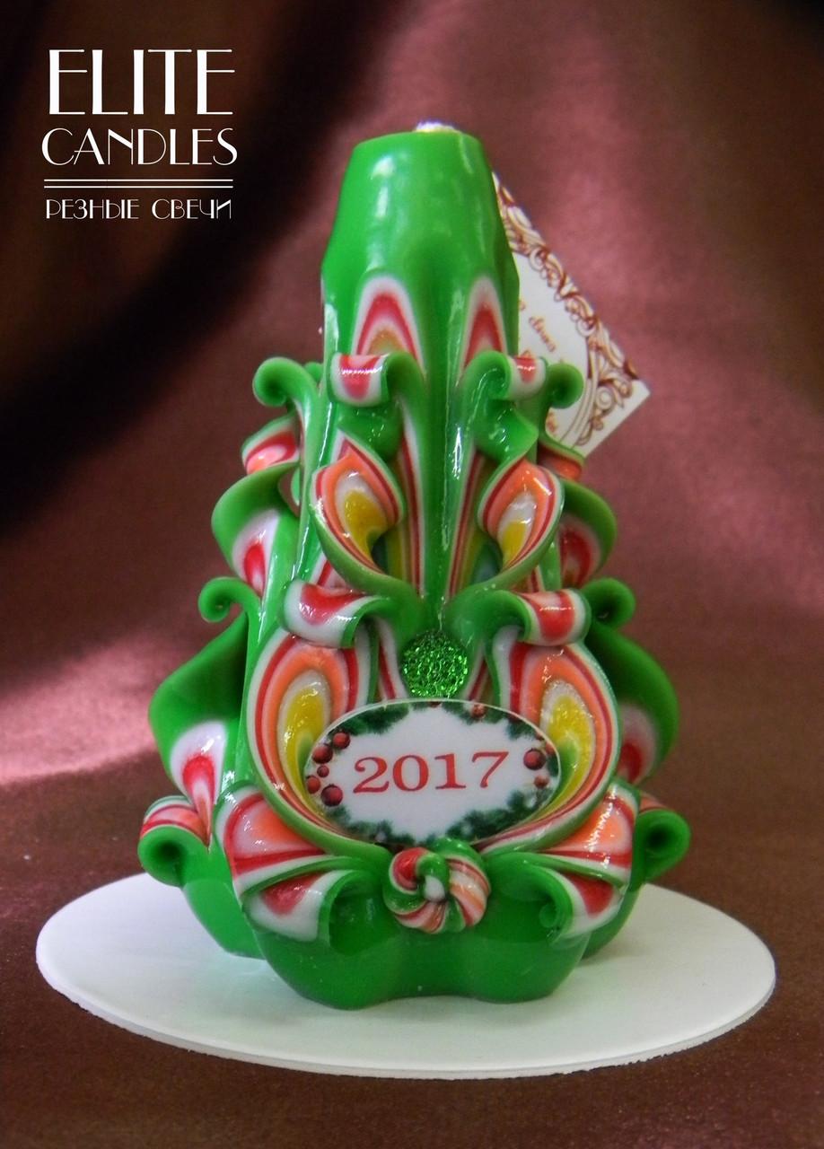 Свеча на подарок к новому году 2017. Украшена табличкой и бусинками, имеет красивые новогодние тона