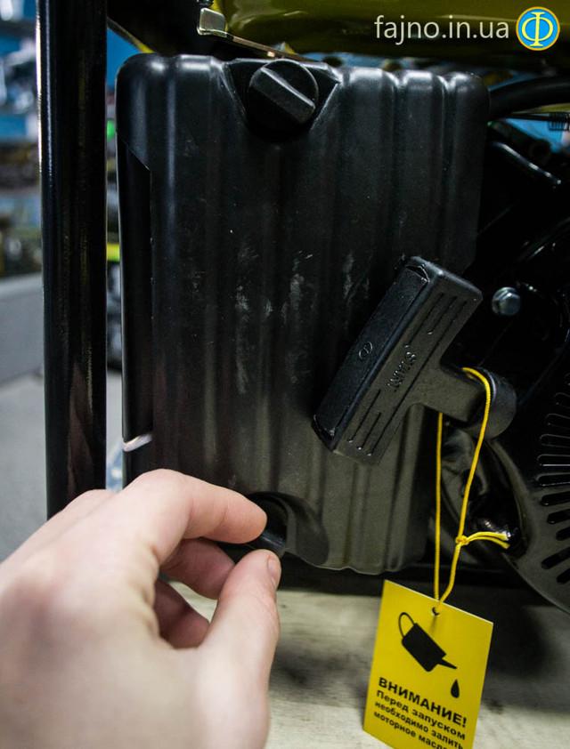 Бензиновый генератор Кентавр КБГ 089 фото 5
