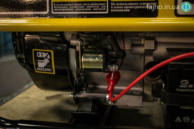 Бензиновый генератор Кентавр КБГ 258Э фото 7