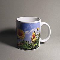 Белая чашка с фото
