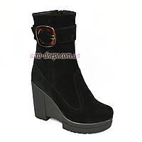 Ботинки замшевые женские зимние на высокой устойчивой платформе, фото 1