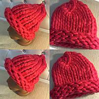 Модная женская шапка объемная вязка, цвет малиновый