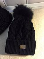 Теплая  женская шапка UGG машинная вязка с меховым бубоном