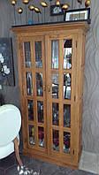 Шкаф-витрина из натурального дерева