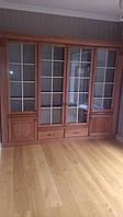 Книжный шкаф из массива ясеня библиотека со стеклом