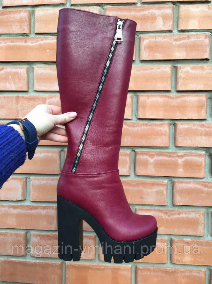419b18465f09 Бордовые зимние кожаные сапоги на каблуке.