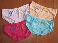 Детские трусики для девочки разных цветов