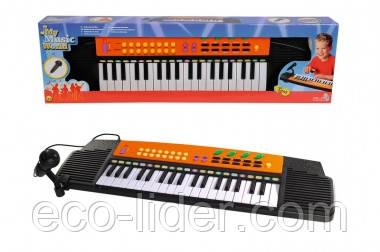 Электросинтезатор с микрофоном, 37 клавиш, 63х18 см, 4+