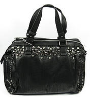 Стильная женская сумка черного цвета усыпанная камнями