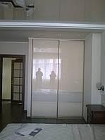 Шкаф-купе в спальную  с крашеным стеклом, фото 1