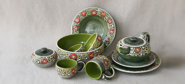 Посуд в українському етничному стилі