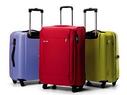 Дорожні валізи на колесах