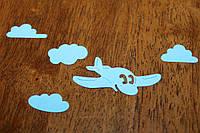 Вырубка: набор голубой самолетик и тучи.
