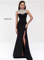 Платье а-силуэт, плательный креп, кружевное шитьё, украшение- бусы-подвески, чашки  вш №902