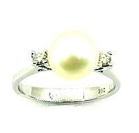 Золотое кольцо с бриллиантом и жемчугом