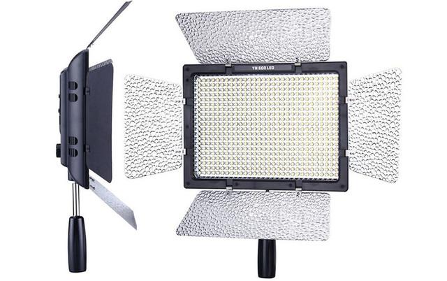 Накамерный LED-свет Yongnuo YN-600