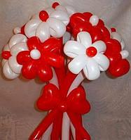 Букет из шариков красно-белый