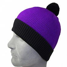 шапка в спортивном стиле с бубоном  унисекс  цвет черный + фиолетовый