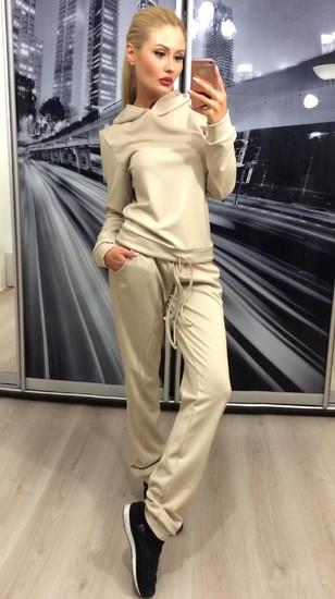Спортивный костюм женский бежевый
