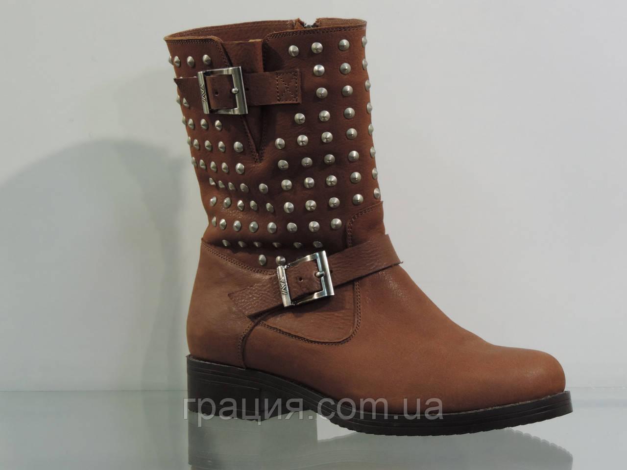 Стильные кожаные зимние ботинки коричневые