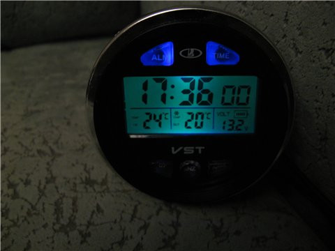 Автомобильные часы с вольтметром ВАЗ 2106 VST 7042v - АвтоСтиль в Черкасской области
