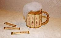 Подарок мужчине-пивной бокал из конфет в композиции с чаем,кофе или банкой пива