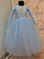 Роскошное праздничное платье на девочку с пышной фатиновой юбкой и красивой накидкой