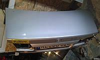 Крышка багажника серебро Mazda 626 Gf седан