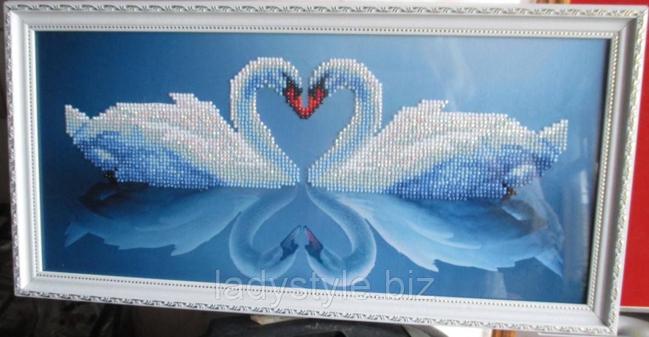 "Картина ""Пара лебедей"" от студии LadyStyle.Biz"