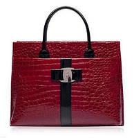 Большая женская сумка рептилия красная