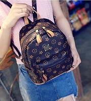 Рюкзак женский  Louis Vuitton копия с заклепкой