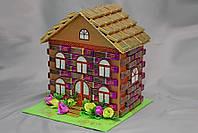 Большой домик из шоколада