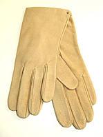 Перчатки женские из свинной кожи бежевого цвета
