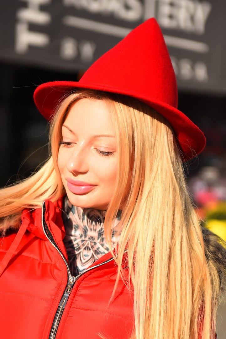 Женская фетровая шляпа конус