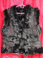 Жилетка натуральная женская тёплая из кожи и овечьей шерсти - черная опушка