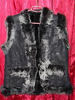 Женская жилетка из натуральной кожи и овечьей шерсти серая опушка