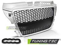 Решетка радиатора тюнинг Audi A3 8P в стиле RS серебряная