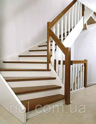лестница на тетивах из дерева