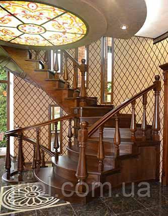 деревяная лестница внутренняя