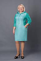 Стильное платье с капюшоном и карманами