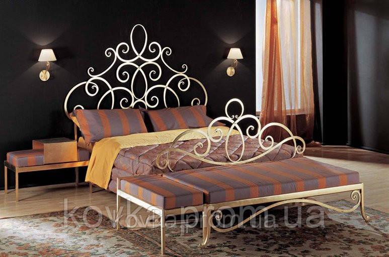 Кованый спальный гарнитур