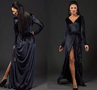 Черное длинное платье-халат из бархата.