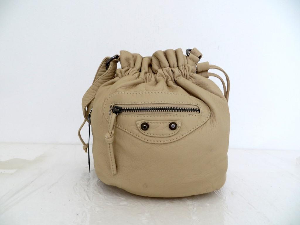 Женская сумочка - мешок  через плече Эко-кожа. Бежевая