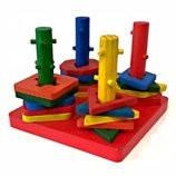 Пирамидка ключик - логическая игрушка геометрика