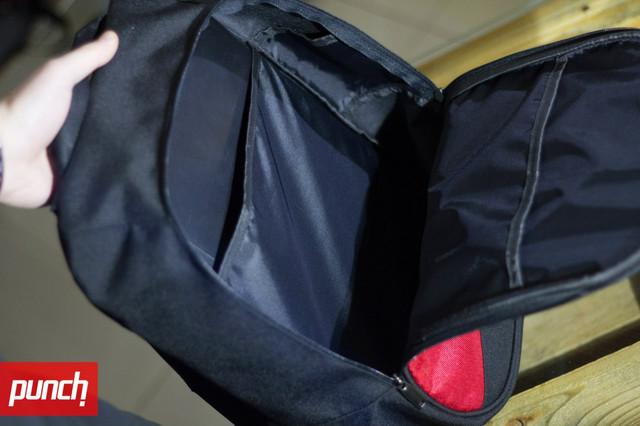 Внутренние карманы на обеих стенках рюкзака, для ноутбука и бумаг