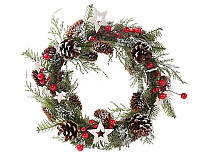 Венок новогодний с декором из шишек и ягод
