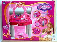 Столик для девочки с аксессуарами